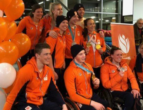 Warm ontvangst voor paralympische helden op Schiphol